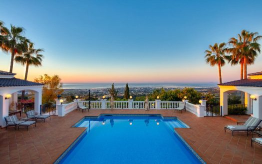 villas for sale in spain with private pool