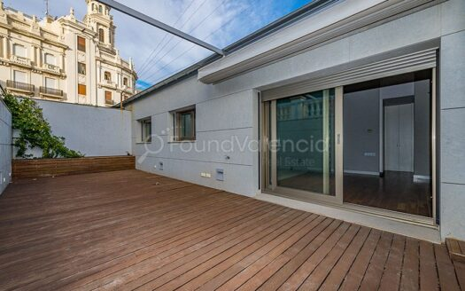 Luxury property with terrace in Valencia