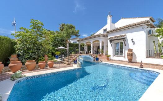 Villa in Nueva Andalucia - Marbella Country Club