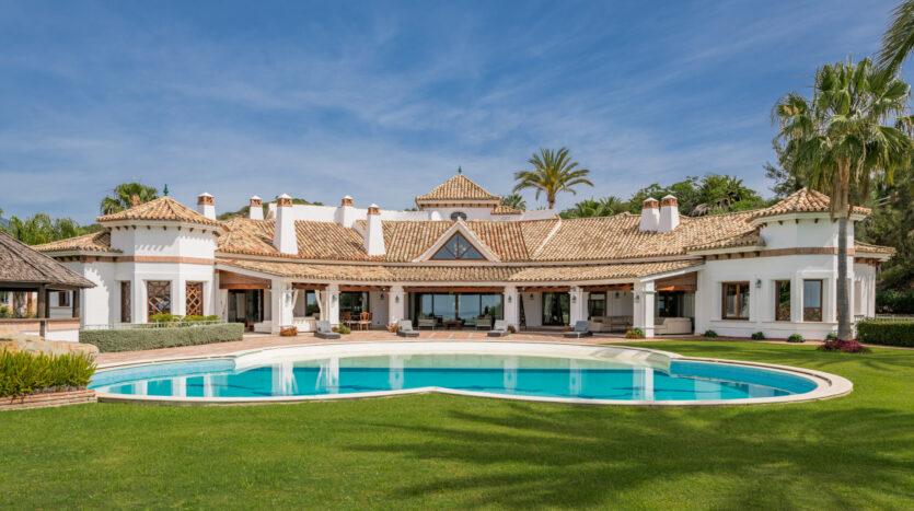 luxury villa for sale in Benahavis