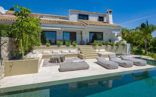 Villa in Altos del Paraiso for sale